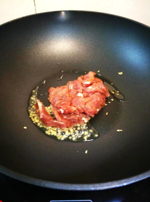 肉菜炒河粉怎么吃