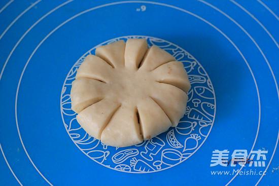 红豆沙花朵面包怎么煮