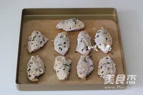 百里香烤鸡翅的简单做法