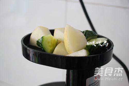 雪梨黄瓜汁的家常做法