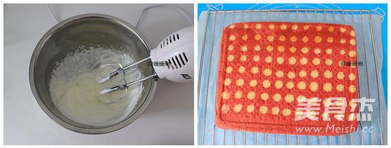 红丝绒波点蛋糕卷怎么煮