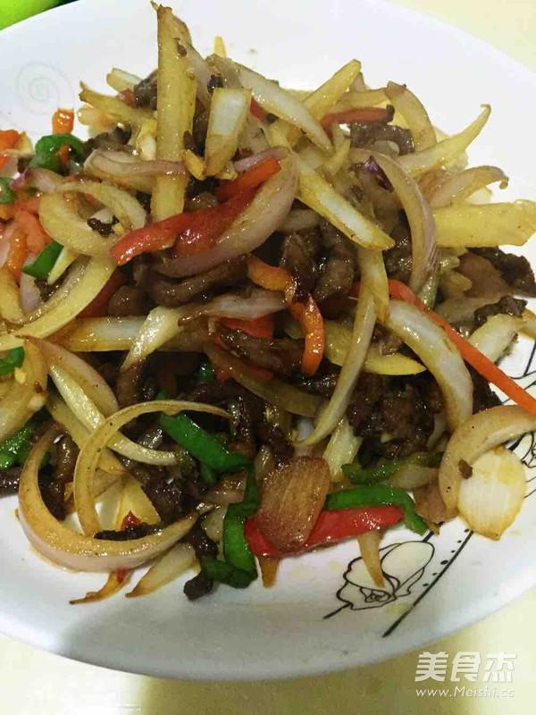 洋葱炒牛肉丝-孕妈妈菜谱的家常做法
