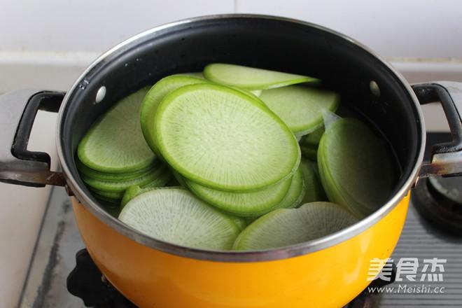 猪肉萝卜馅饺子的简单做法