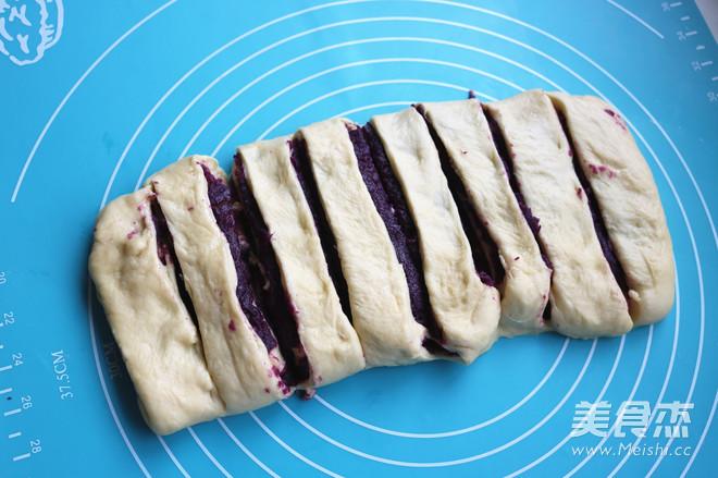 香酥粒紫薯麻花面包的做法大全