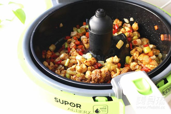 咖喱鸡丁怎么煮