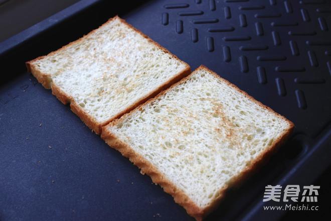 鸡蛋火腿三明治的简单做法
