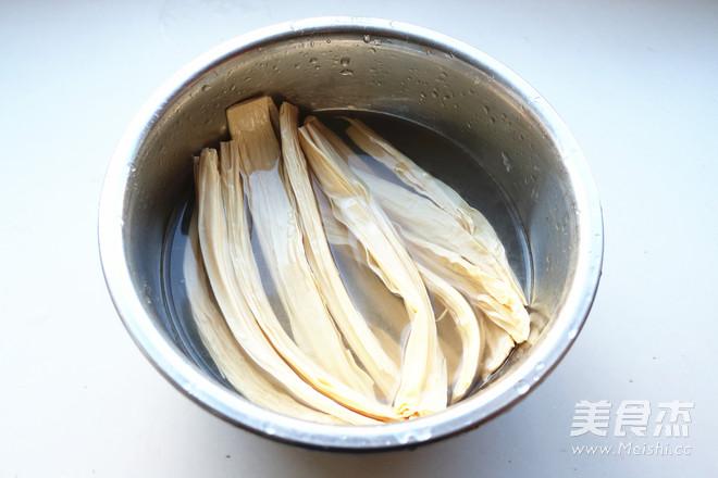 腐竹拌鸡胸肉的家常做法
