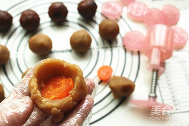 广式蛋黄月饼怎么煮