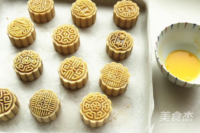 广式蛋黄月饼的做法大全