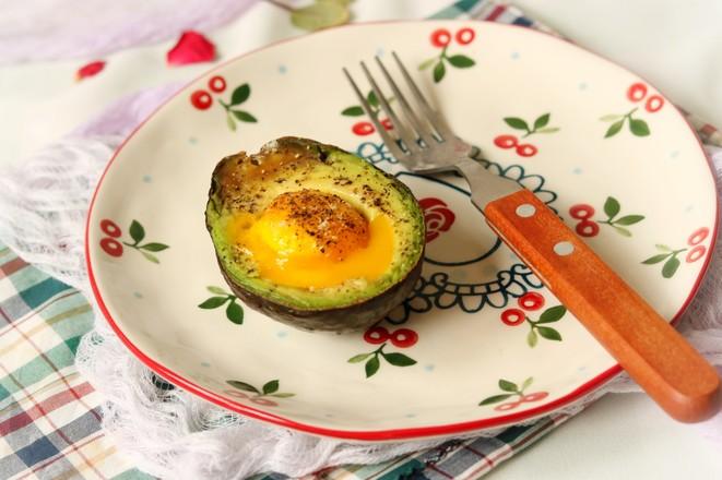 牛油果烤蛋的简单做法