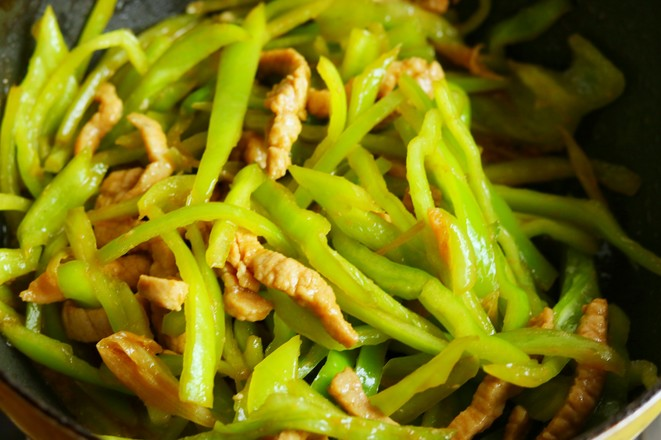 青椒炒肉丝怎么炒