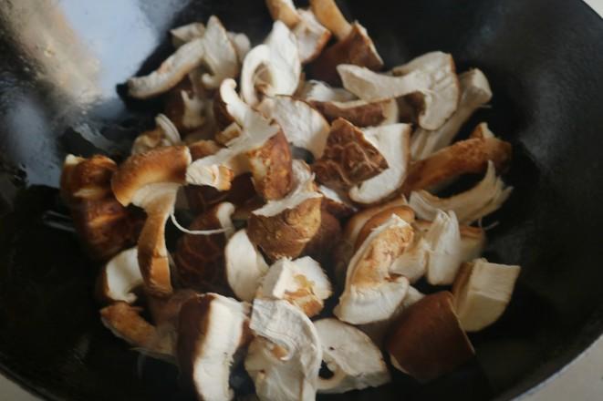 香菇炒油菜的简单做法
