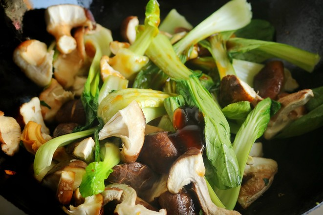 香菇炒油菜怎么做