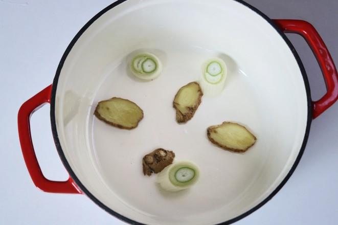 黄豆焖猪蹄的家常做法
