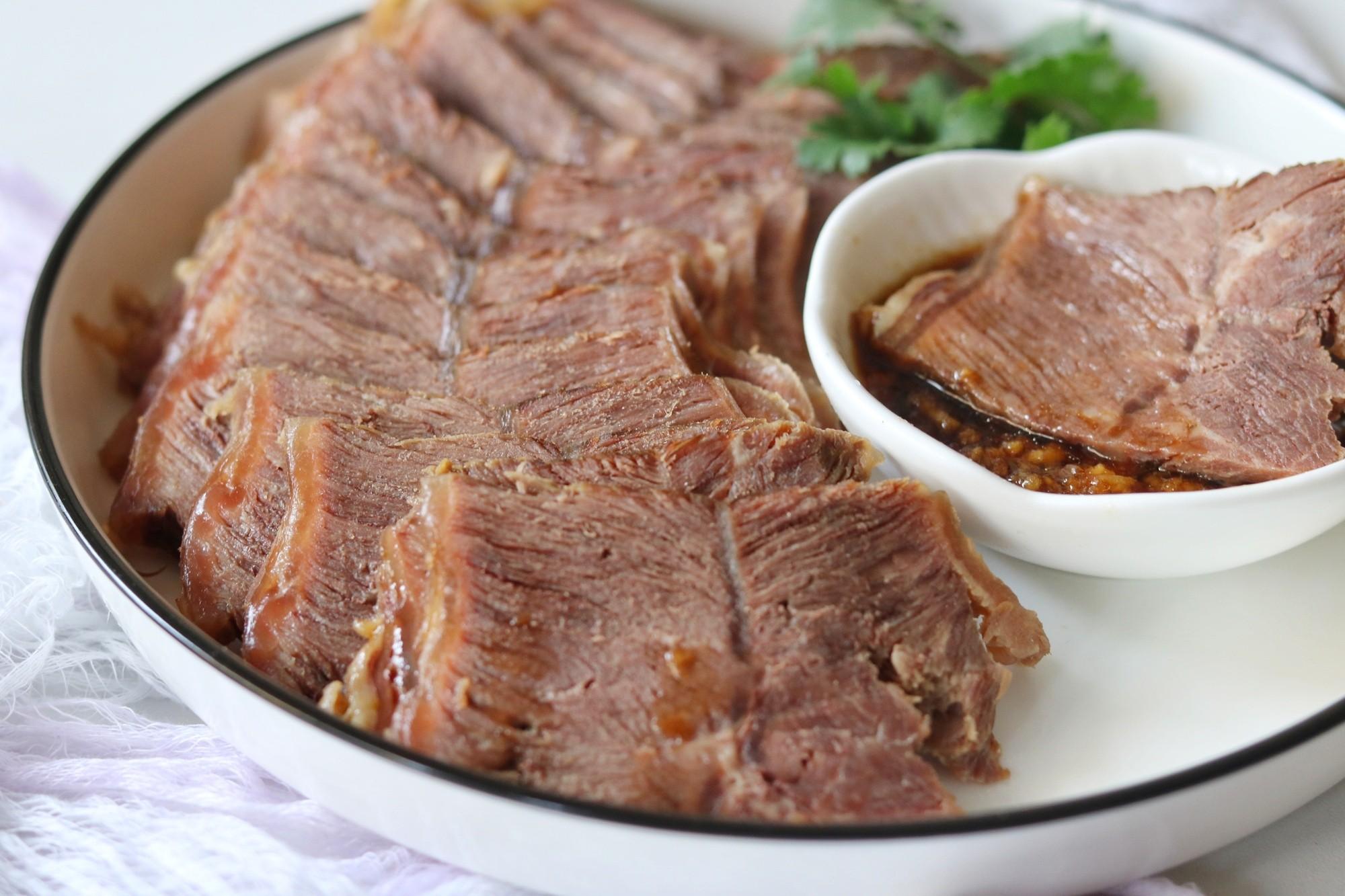 好吃到舔盘的卤牛肉的步骤