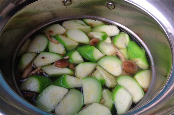 丝瓜菌菇豆腐汤怎么煮