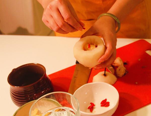 冰糖炖梨的家常做法