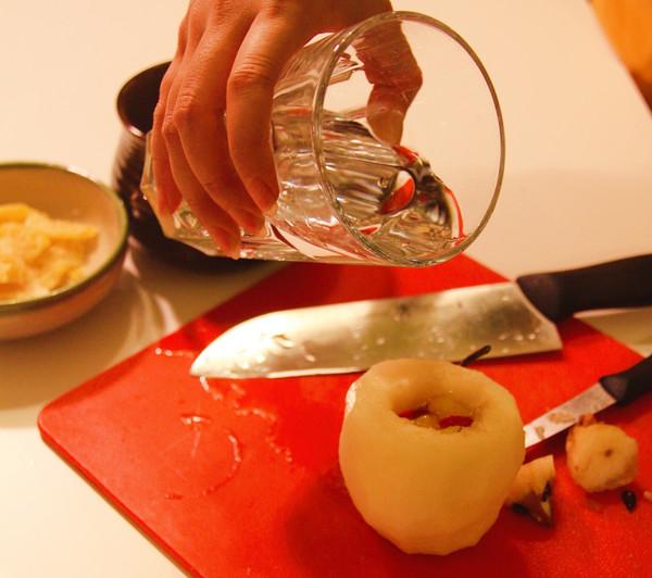 冰糖炖梨的简单做法