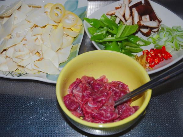 春笋炒肉的做法图解