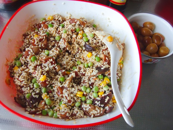 香菇鸡肉粽子的步骤