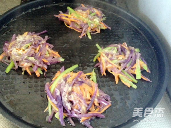 紫土豆饼怎样煸