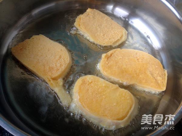 鸡蛋煎馒头片怎么做