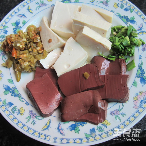 猪血豆腐汤的做法大全