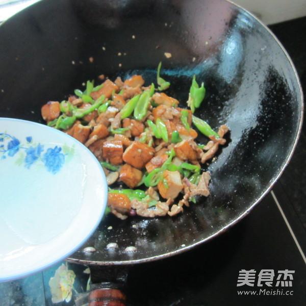 酱香豆腐炒肉怎么炖