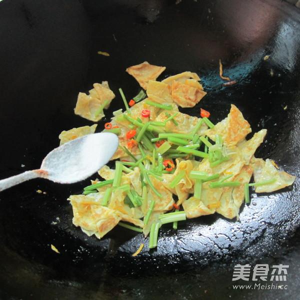 芹菜炒蛋怎么做