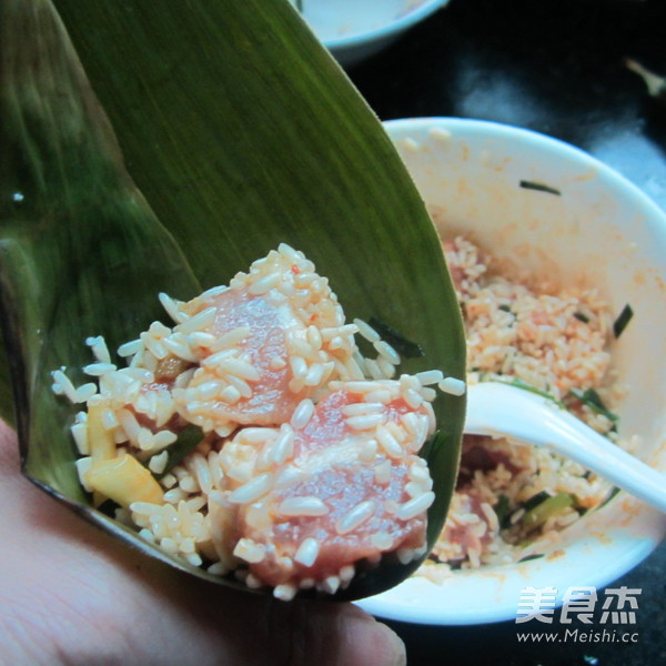 葱香猪肉糯米粽怎么煮