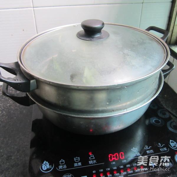 葱香猪肉糯米粽怎样煸