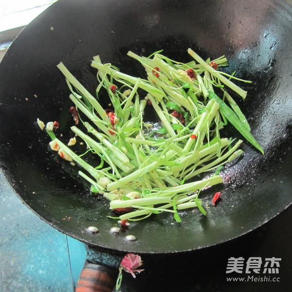 尖椒蒜米空心菜怎么做