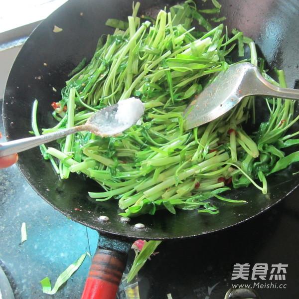 尖椒蒜米空心菜怎么煮