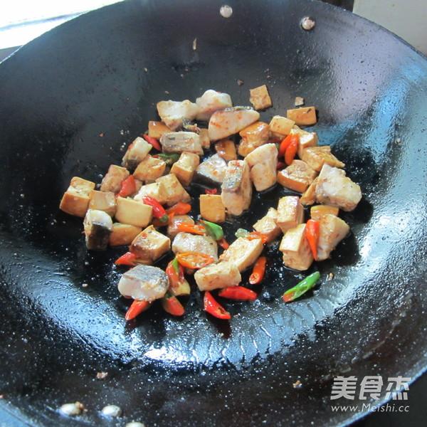 豆腐丁煮鱼怎么做