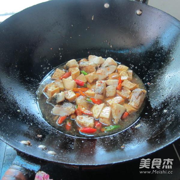 豆腐丁煮鱼怎么炒