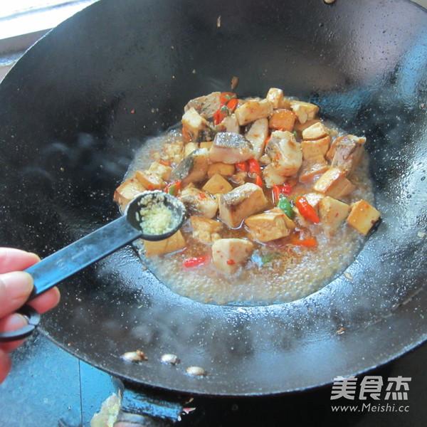 豆腐丁煮鱼怎么炖