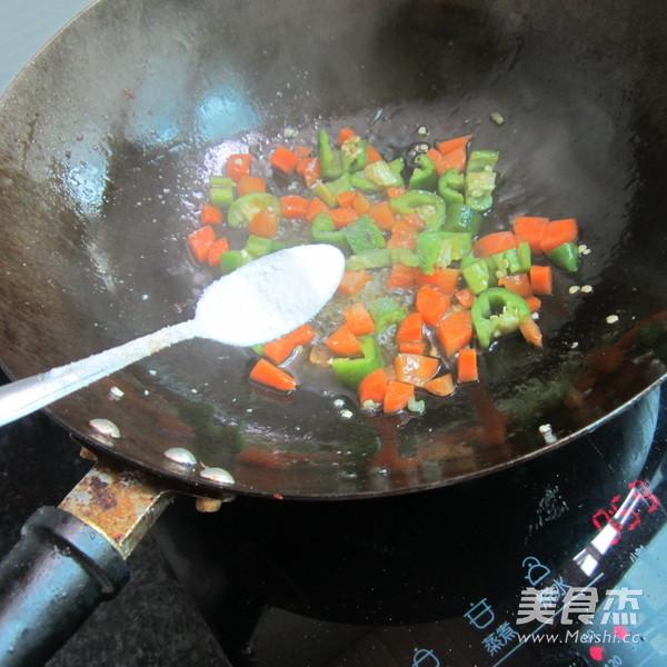 胡萝卜青椒猪血丁的家常做法