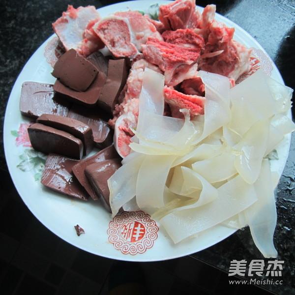 猪骨粉皮豆腐猪血汤的做法图解