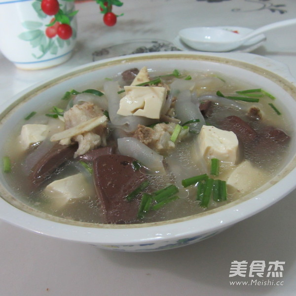 猪骨粉皮豆腐猪血汤怎样煸