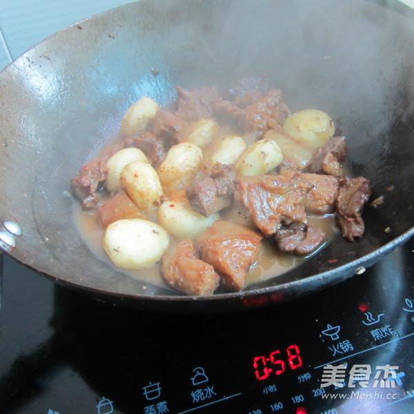 荸荠焖肉怎样炒
