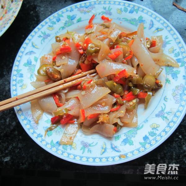 酸辣椒拌玉米粉皮怎么做