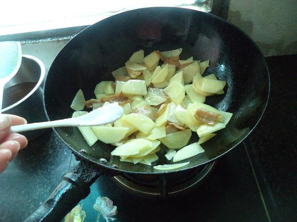 土豆五花肉片怎么做