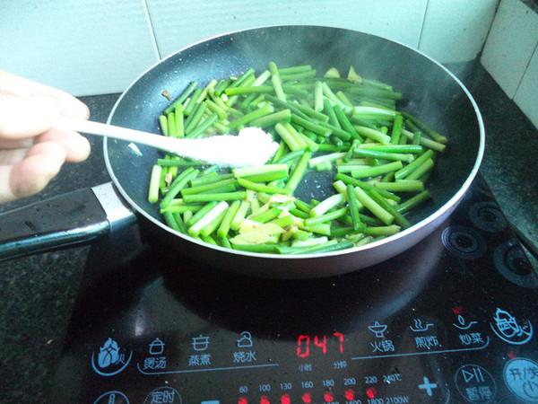蒜苔炒五花肉怎么吃