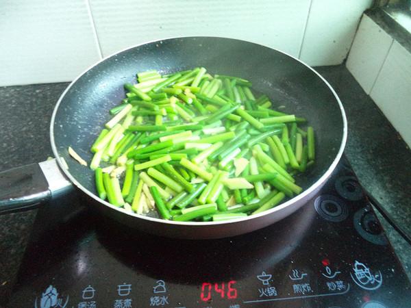 蒜苔炒五花肉怎么做