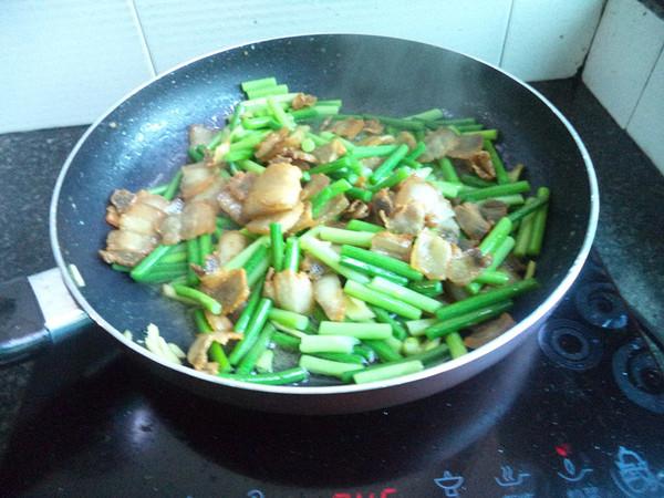 蒜苔炒五花肉怎么煮