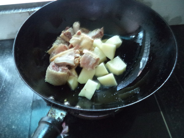 土豆三黄鸡的简单做法