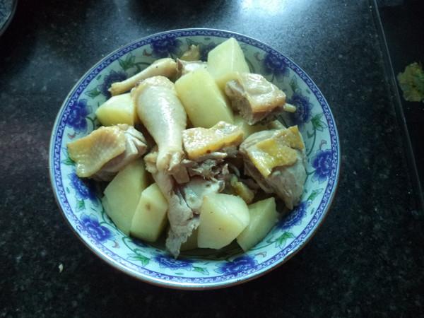 土豆三黄鸡怎么炒