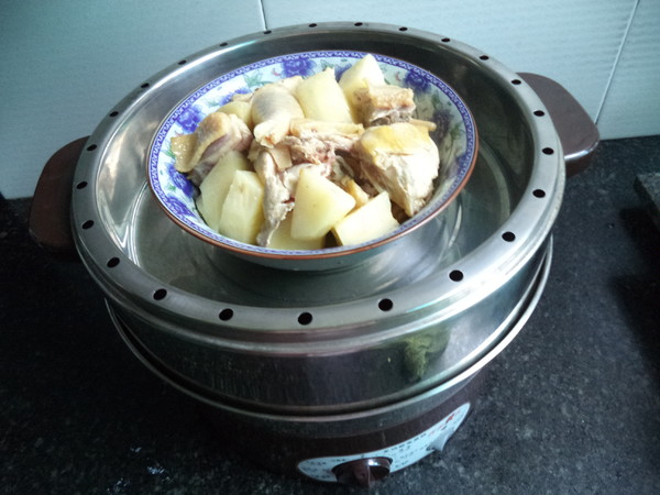 土豆三黄鸡怎么煮