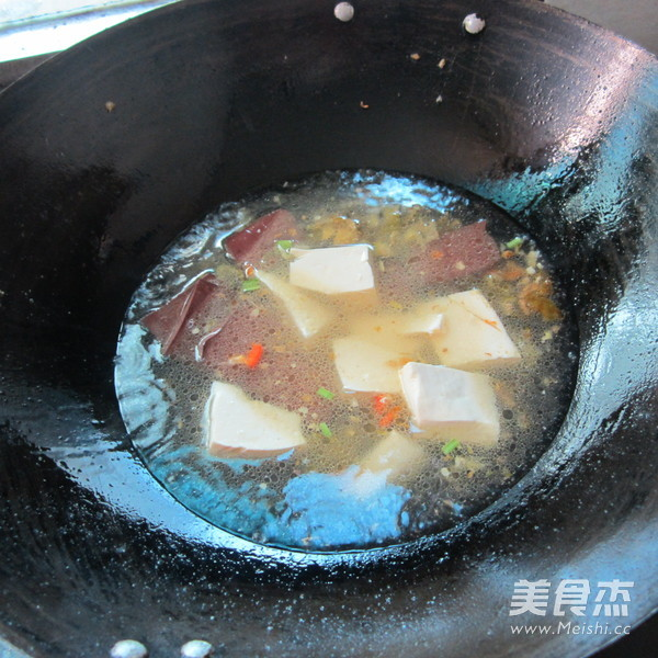 猪血豆腐汤的简单做法
