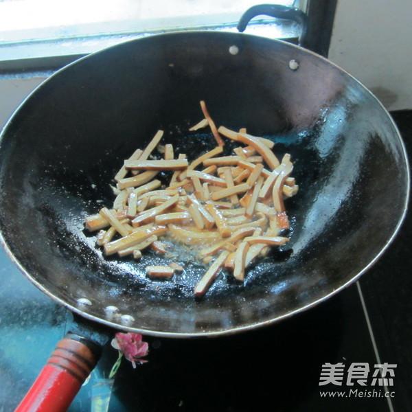 煎辣椒烧豆腐丝的简单做法